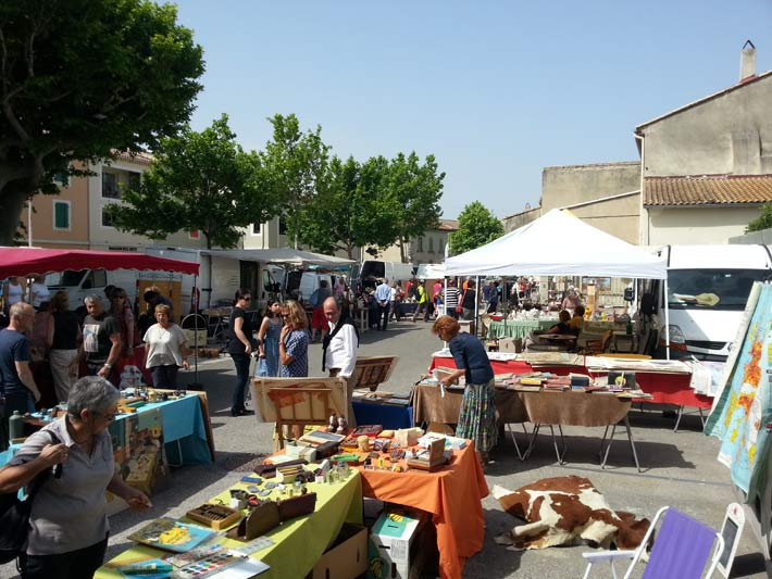 Photos du village typiquement proven al de graveson en for Brocante salon de provence